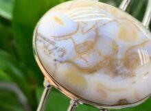 Халцедон камень: какие минералы входят в группу, магические и лечебные свойства